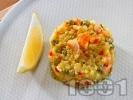 Рецепта Паеля с шафран, замразен грах, зеленчуци и морски дарове - калмари и скариди